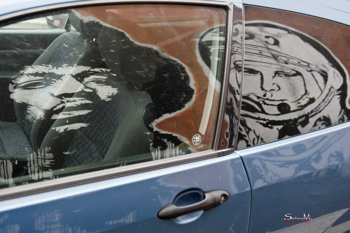 ROMA - Jimi Hendrix e Jurij Gagarin